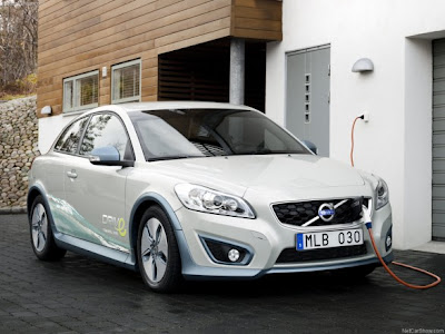 2011-Volvo-C30-BEV-Front-Angle-View-Hybrid-Car-2