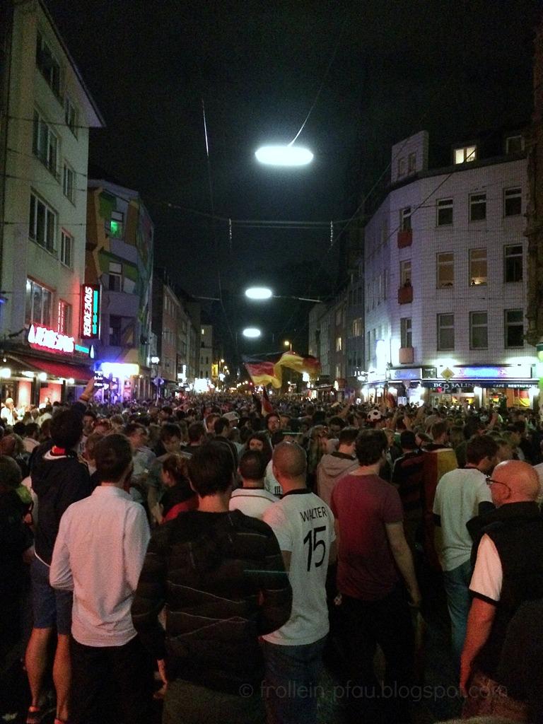 Weltmeister, Deutschland, WM, Pokal, Schland, Frollein Pfau, Mmi, Mittwochs mag ich, Zülpicher Straße, Köln