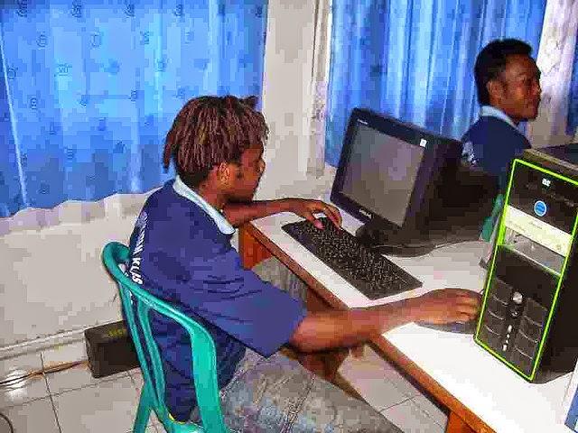 Peluang Bisnis Sampingan Rental Komputer Pengetikan
