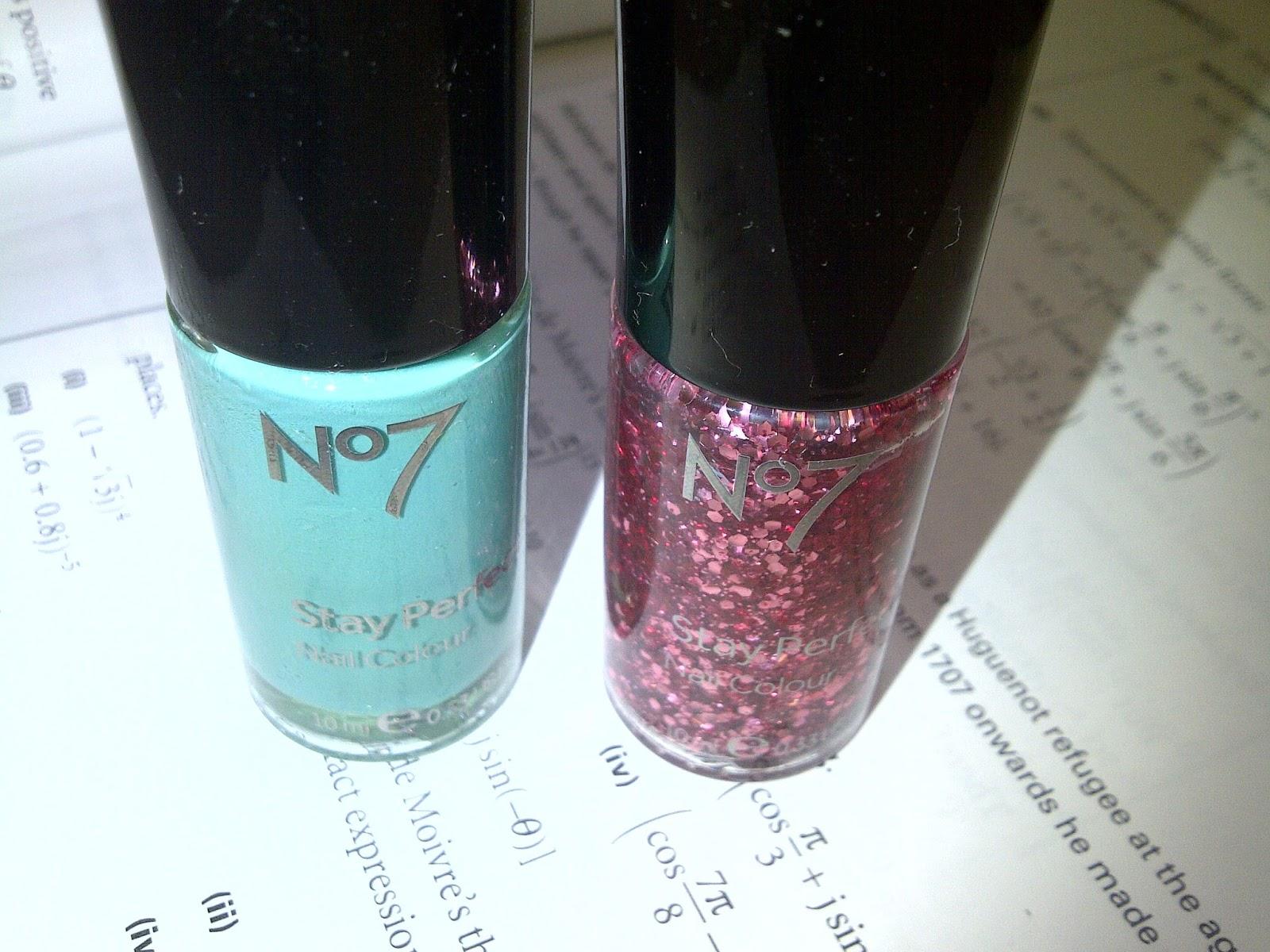 Anna, Look!: Nail polish experiment: mixing No7 So Neat with No7 ...