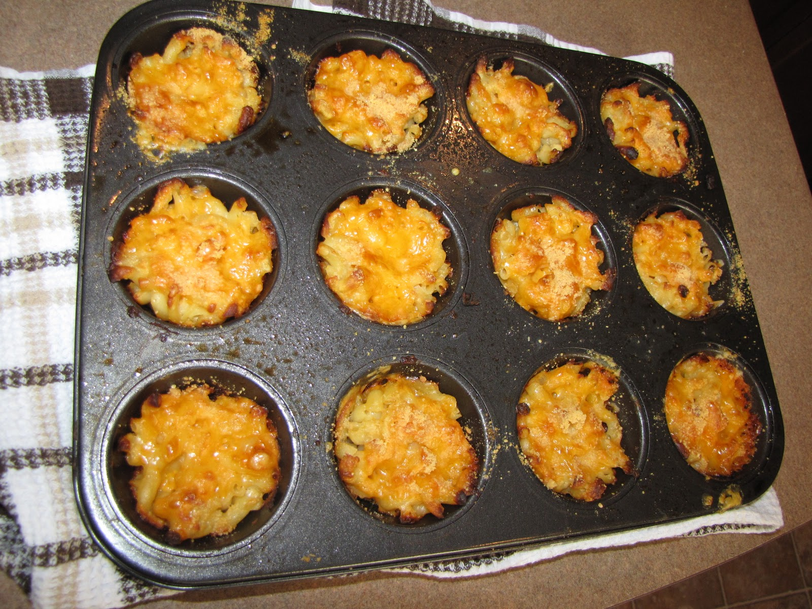Life of Taren: Mac and Cheese Cupcakes