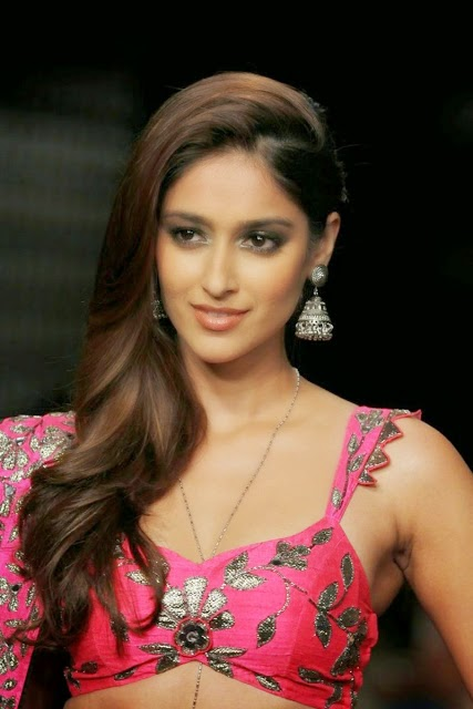 Hot actress Ileana Latest Ramp Walk Lakme Fashion Week