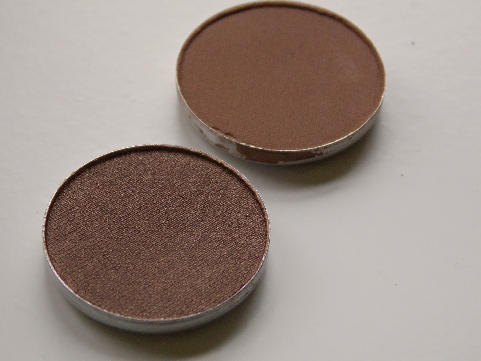 MAC eyeshadow pans, woodwinked and cork, review, photo, swatches, mac pro palette, quad, pan