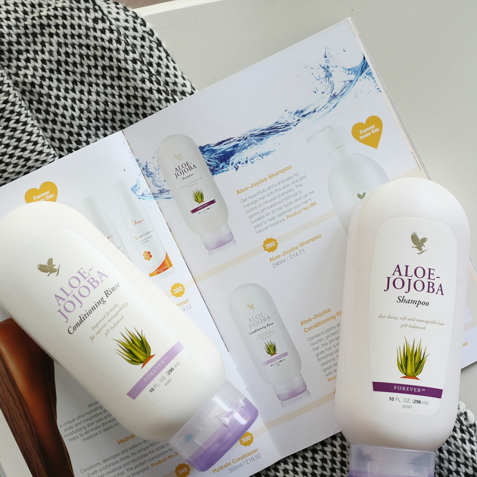 Forever-living-jojoba-shampoo-conditioner-review-blog