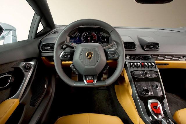 Lamborghini Huracan - dashboard