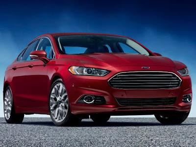 Ford  Fusion 2013 semelhança do design do Aston Martin