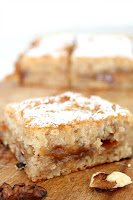 http://theseamanmom.com/vegan-blondie-with-banana-and-walnuts/