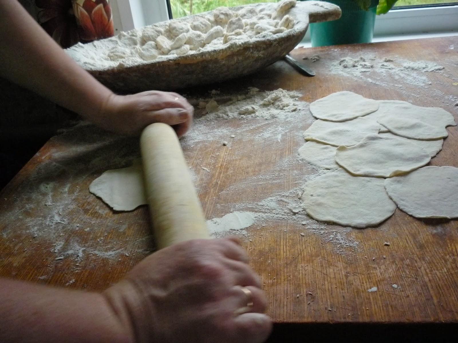 Как приготовить простые булочки на дрожжах
