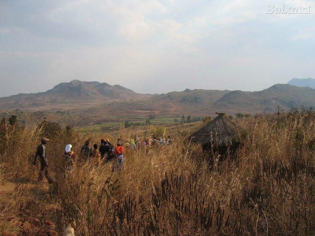 http://1.bp.blogspot.com/-ptbi0h_xi_o/T6VfaHY5vTI/AAAAAAAAOgg/tVtWCzy2_j0/s1600/BXK9360_paisagem-africana-por-eliomar-ribeiro800.jpg