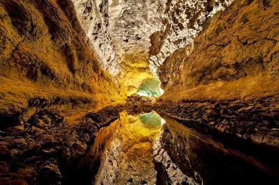 كويفا دي لوس بالوس، في جزر الكناري، اسبانيا, الإنعكاس على سطح الماء, أجمل وأفضل صور 2011,