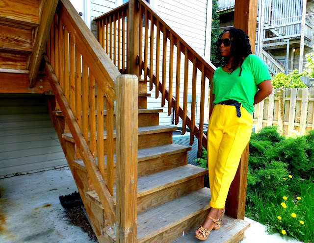 how to wear bright yellow pants