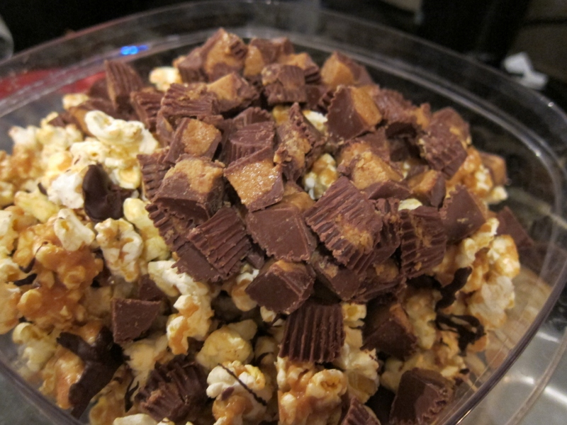 Belle's Baking: Reese's Peanut Butter Cup Popcorn