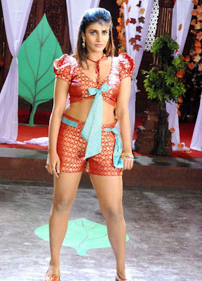 Gak Tak Reken Kausha Rach Hot Pics Kausha Rach Hot