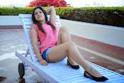 Prabhajeet Kaur Glamorous Photo shoot-thumbnail-1