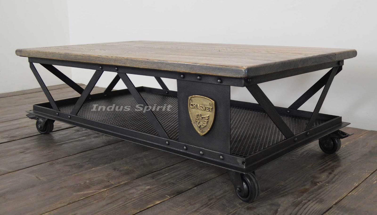 Table basse industrielle eiffel for Table basse style industriel