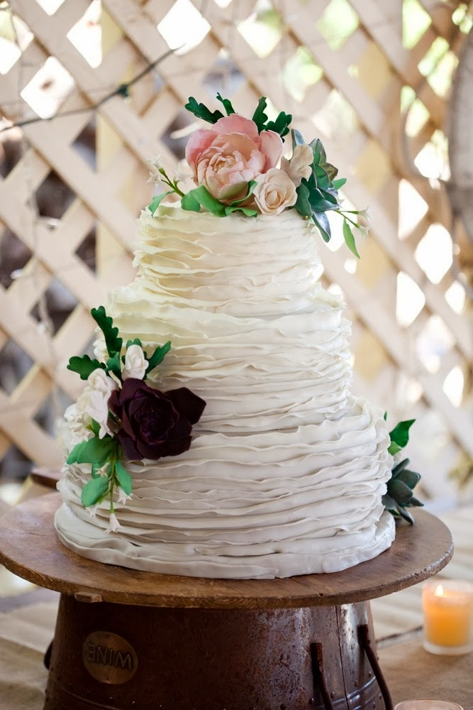 ADORED VINTAGE: 10 Vintage Inspired Wedding Cakes + Vintage Wedding ...