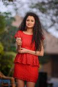 Soumya Sukumar in Pora pove-thumbnail-7