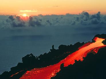 #17 Volcano Wallpaper