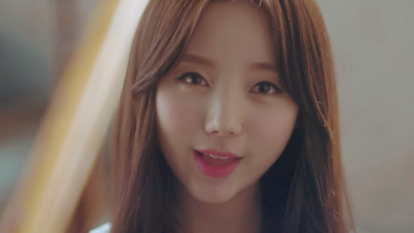 Lovelyz' Kei (케이) in Hi~ MV