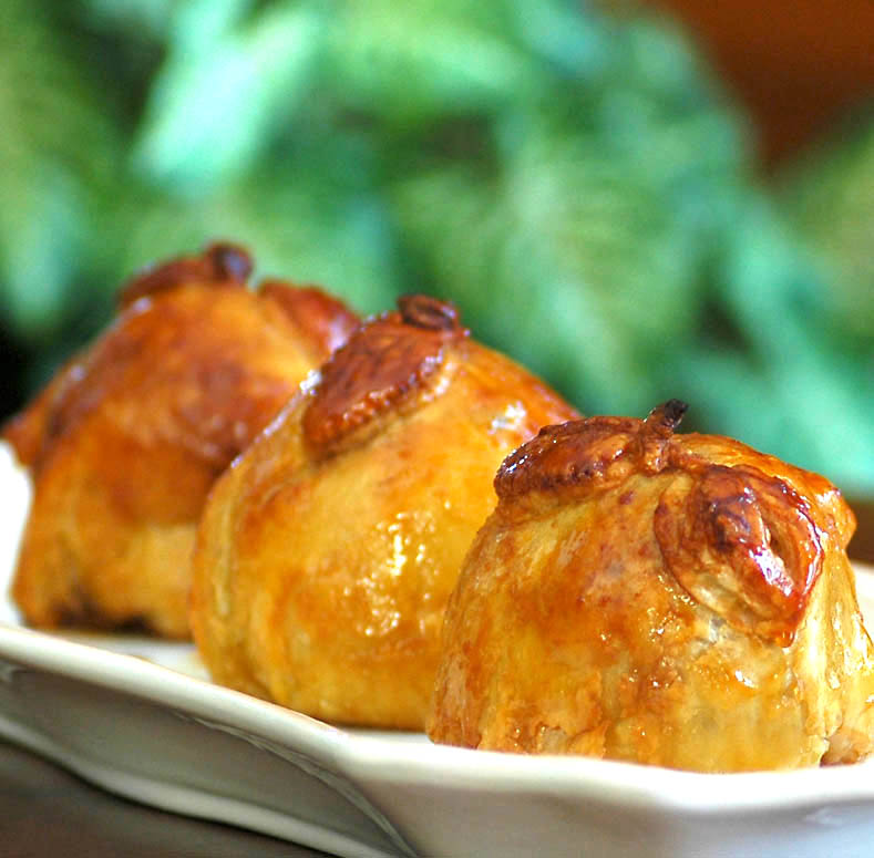 Delicious Baked Apple Dumplings