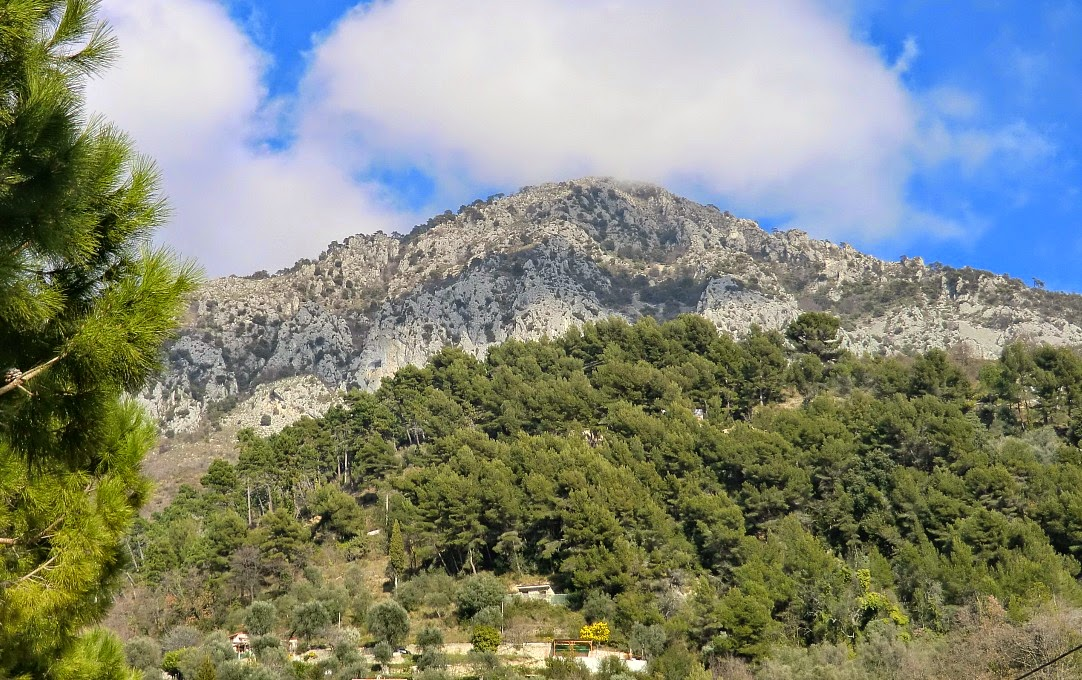 Roc d'Orméa (1132 m) seen from Castellar