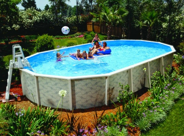 Mantenimiento de una piscina desmontable guia de jardin for Decoracion patio con piscina