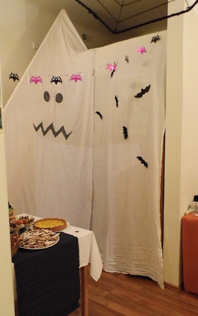 Ghost, bats