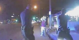 Des policiers américains abattant un homme désarmé! (VIDÉO)