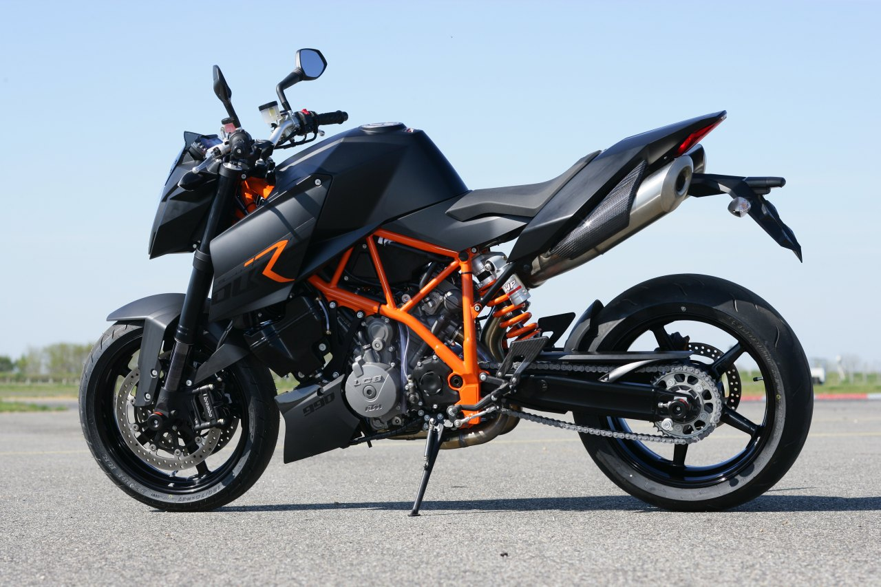 ktm 990 super duke hd wallpapers high definition free background. Black Bedroom Furniture Sets. Home Design Ideas