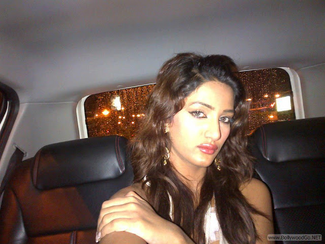 Mathira+hot+(14)