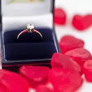7 Hadiah Paling Romantis Untuk Kekasih