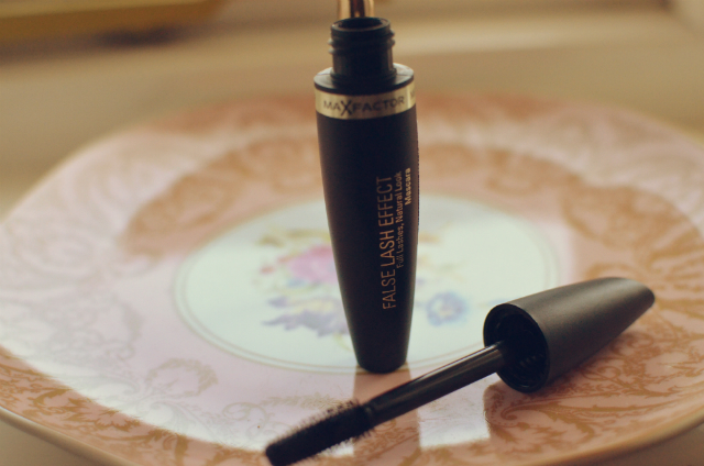 false-lash-effect-mascara