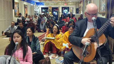 Kripalu Ji Maharaj devotee in New York Hindu Temple