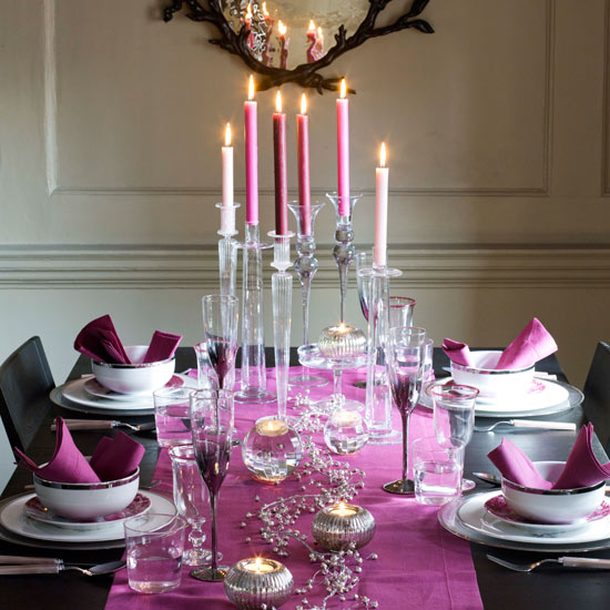 Diamond And Jewelry Ideas: a simple christmas dinner table decor
