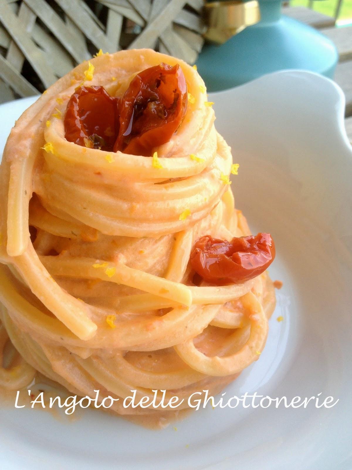 spaghetto quadrato in crema di ricotta di bufala, pomodoro ciliegino secco e zeste di limone