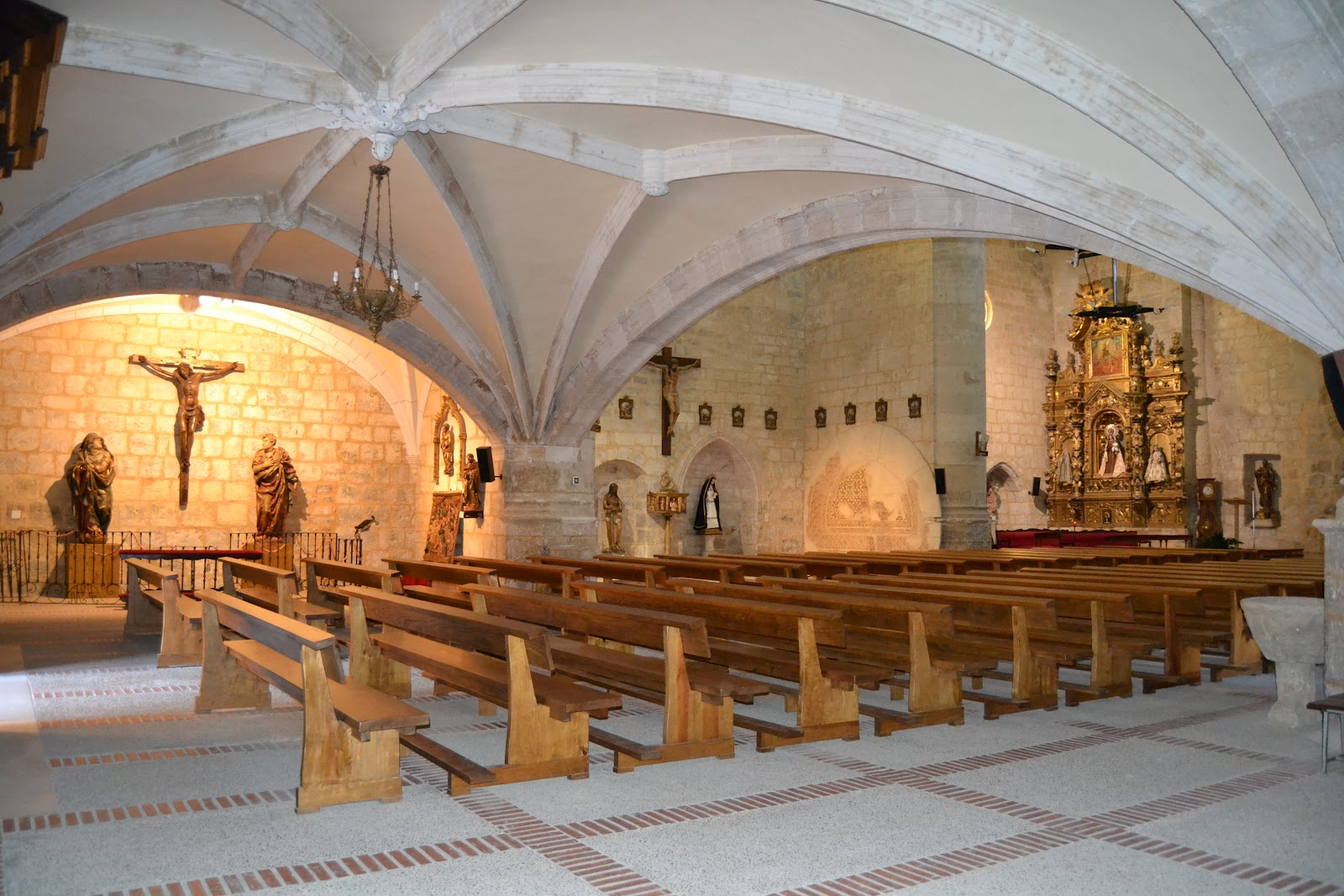 Turismo astudillo museo parroquial de santa eugenia for Oficina inem santa eugenia