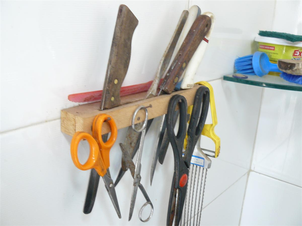 Junk Unjunk Kitchen knife holder