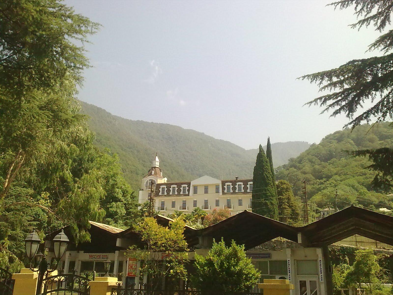 Здание школы построено при принце