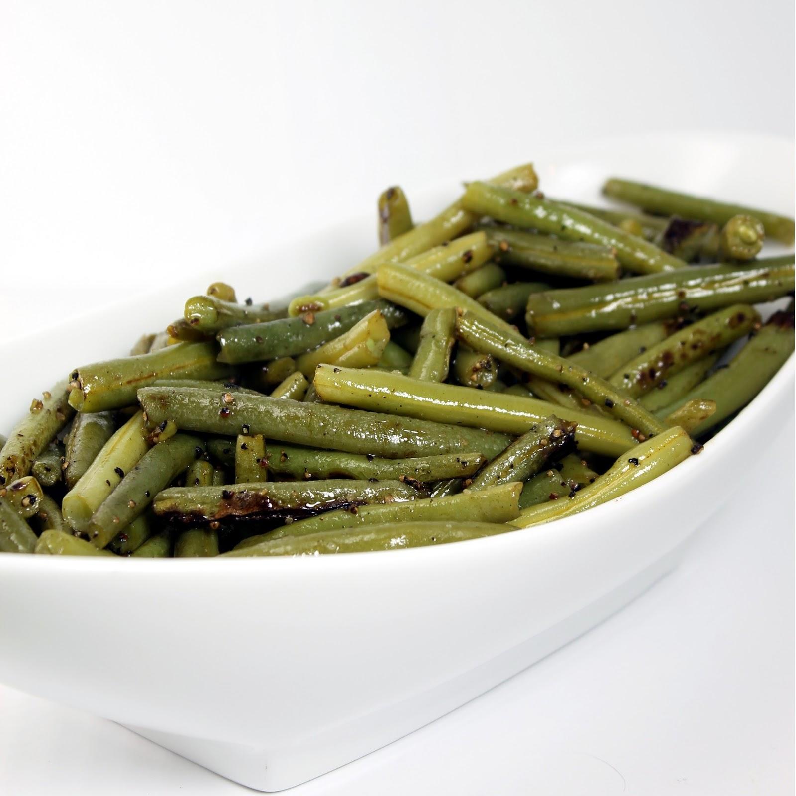 olive oil green beans with salt and pepper. Black Bedroom Furniture Sets. Home Design Ideas