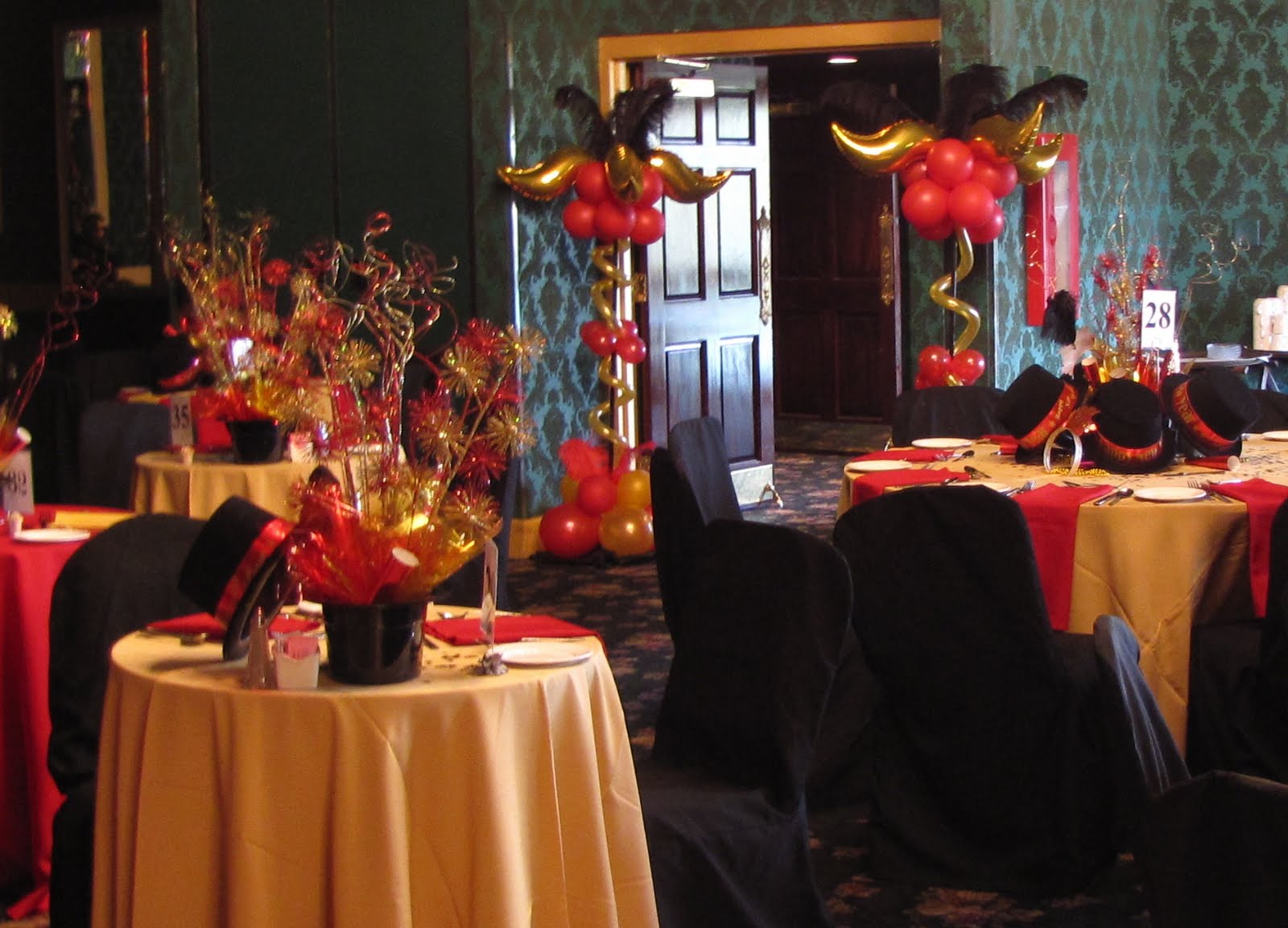 Black and red table decorations for party photograph