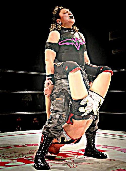 La Comandante - Luchadora