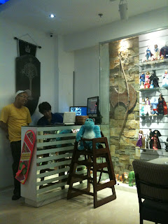 Sci-Fi Cafe Cashier