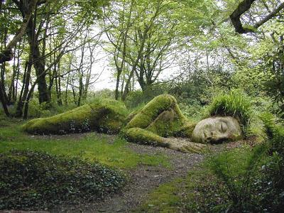 estatua persona durmiendo