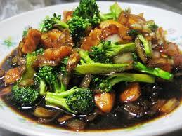 Tumis Batang Brokoli Campur Teri Gurih dan pedas