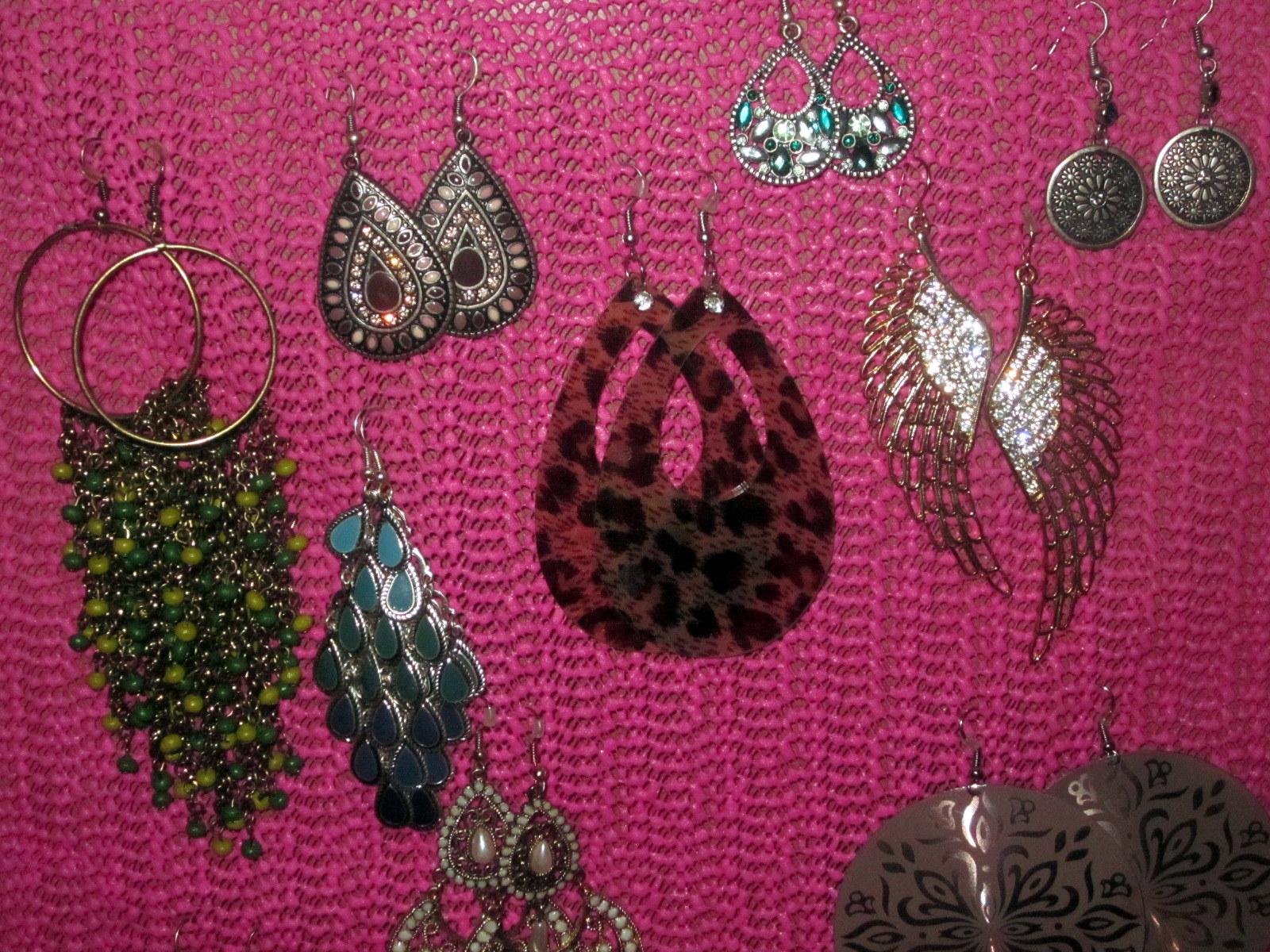 Le boudoir d 39 ines diy comment fabriquer un porte boucle - Fabriquer porte boucle d oreille ...