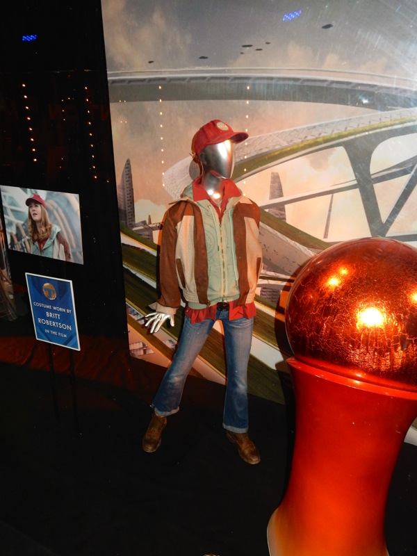 Casey Newton Tomorrowland movie costume