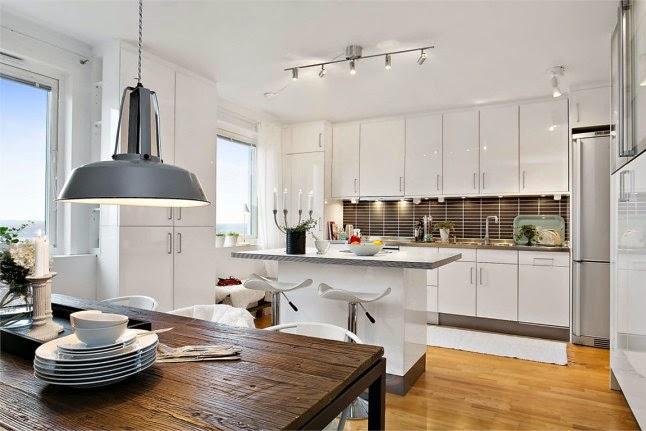 Cocinas blancas grandes peque as en l o en u modernas for Cocinas integrales clasicas