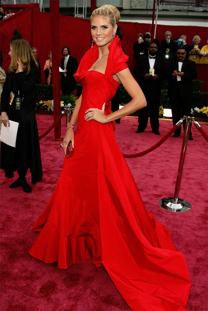 heidi1 Que make usar com: Vestido Vermelho