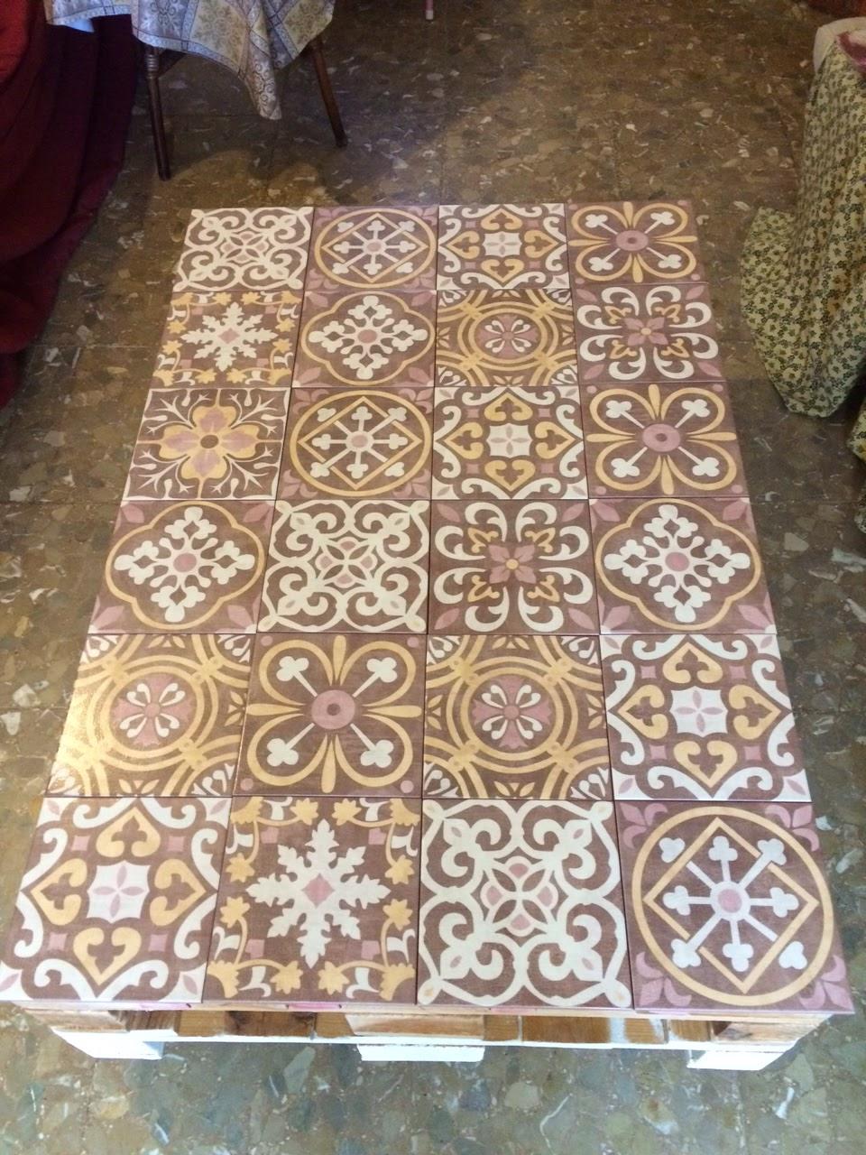 Romali abalorios una preciosa mesa de palets - Suelos de vinilo bricodepot ...