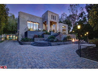 Thumbnail image for Coolest House on Caravan: 142 S Canyon View Dr. – Brentwood